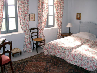 bedrooms mas of the 17th century with its antique furniture. Black Bedroom Furniture Sets. Home Design Ideas